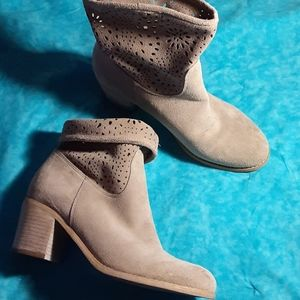 Crown Vintage Shoes - CROWN VINTAGE WOMEN'S AVALIN TAUPE BOOTS